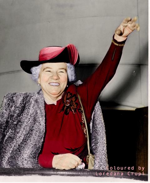 New York World-Telegram and the Sun newspaper staff photographer – Elizabeth Kenny 1950 – Coloured by Loredana Crupi